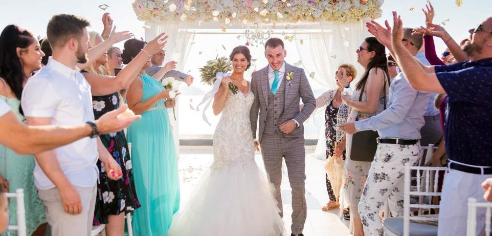 Passer sa robe de mariée au pressing ou non?
